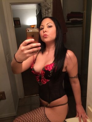 Yamile escort girl