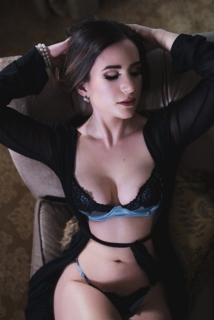 Edouarline happy ending massage in Woods Cross and call girl