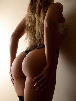Garlonn escort girl in Bullhead City Arizona & thai massage