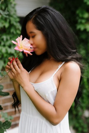 Reihana live escorts in Converse & massage parlor