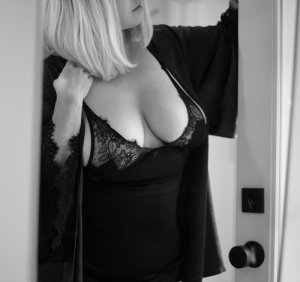 Clairvie happy ending massage and escort