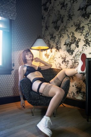 Verane escort in Montebello and massage parlor